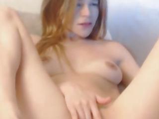 Horny Webcam Chick Finger Fucks her Tight Pussy